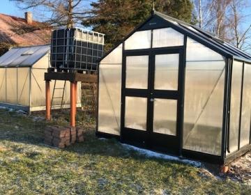 Puhtaks pestud kasvuhooned talve ootamas